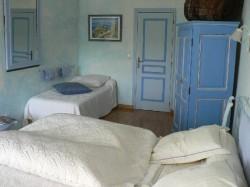 Descriptif chambres d 39 hotes les marronniers chambres d 39 h tes vale - Tarif literie andre renault ...