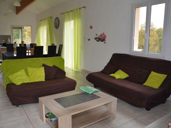 La villa des petits bois location de vacances bussi re for Piscine nontron