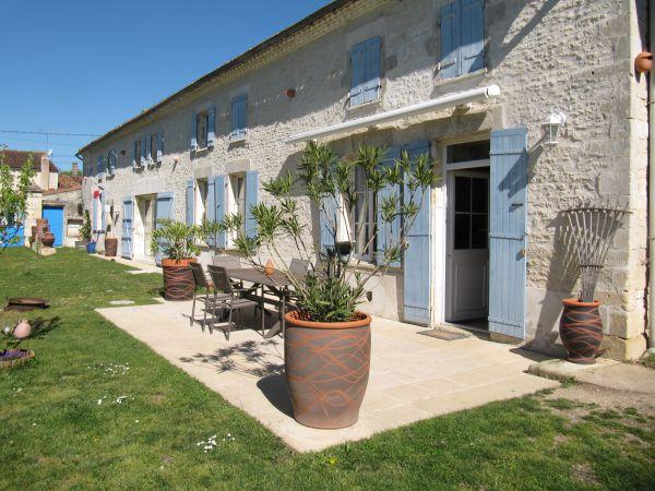 Le Nid DArgile Chambre DHtes  Aujac Charente Maritime