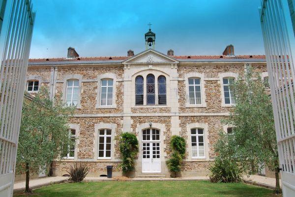La maison d 39 olivier maison d 39 h tes mesnard la baroti re for Chambre d hote pres puy du fou
