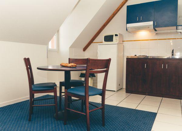 appart 39 hotel la roche posay r sidence de vacances la roche posay vienne. Black Bedroom Furniture Sets. Home Design Ideas