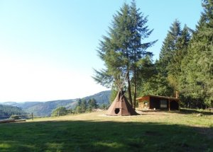 Unusual Stay In Hut And Teepee In Saint Victor Montvianeix Puy De