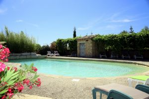 La glycine ensoleill e location de gite avec piscine for Piscine de villedieu