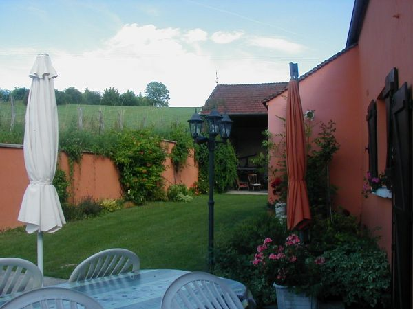 La mandarine g te rural la celle saint cyr yonne for Piscine auxerre tarif