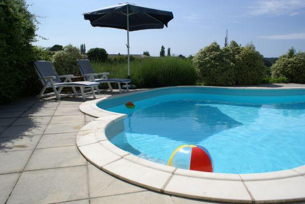 Domaine la fontaine location de gites avec piscine for Piscine charente maritime