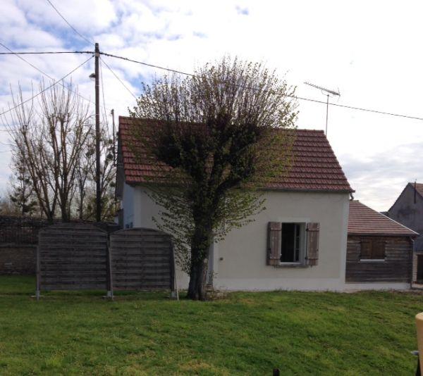La petite maison location de g te noyers sur serein yonne for Piscine auxerre tarif