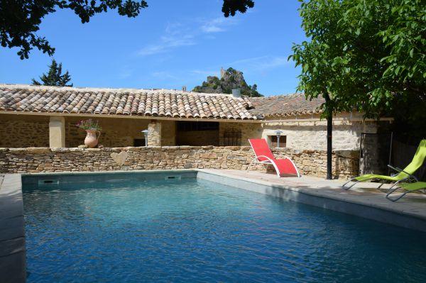 Gite de l 39 harmonie g te avec piscine entrechaux vaucluse Gite de france vaucluse avec piscine