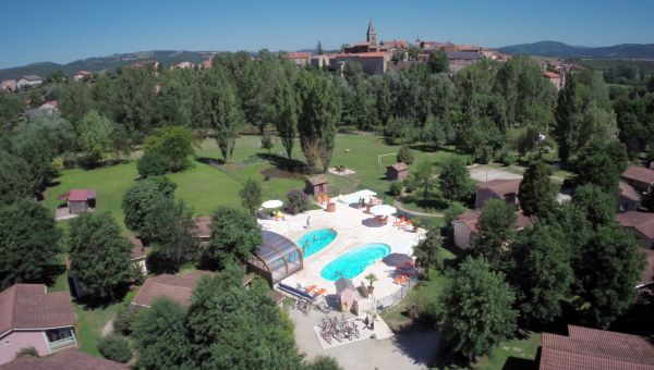 Le hameau des genets village de vacances montlaur aveyron - Village vacances gers avec piscine ...