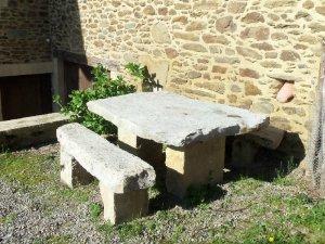 table en pierre lextrieur - Table En Pierre Exterieur