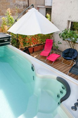 Spa de nage exclusif au gite el patio