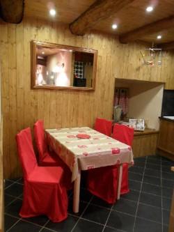 les volets rouges g te rural siaugues sainte marie haute loire. Black Bedroom Furniture Sets. Home Design Ideas