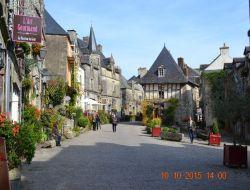 Holiday accommodation in center Brittany