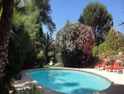 Stay in B & B and Gypsy Caravan near the French Riviera