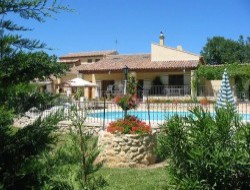 Holiday home with pool close to Aix en Provence near Vitrolles