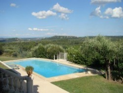 Bed and Breakfast between Nimes and Avignon.