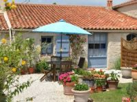 B & B with heated pool in Vendee Loire Area.