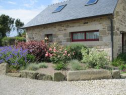 Holiday homes with heated pool and spa in western Brittany. near Lampaul Ploudalmézeau