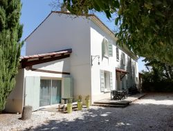 Holiday cottages with pool close to Avignon