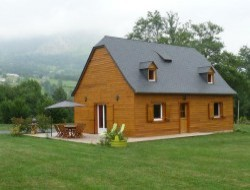 Holiday cottage in french Pyrenees near Esquieze Sere
