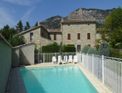 Holiday homes with swimming pool in Rhone Alps near Manas