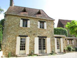 Gite en pierre dans la vall�e de la Dordogne
