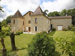 Holiday home with pool in the Gers, Midi Pyrenees.