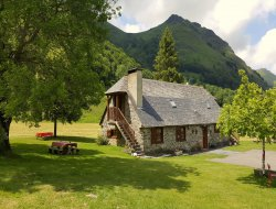 Holiday accommodation for a group in the Pyrenees near Arcizans Dessus