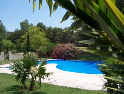 Self catering accommodation in Baux de Provence near Saint Rémy de Provence