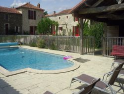 Gite rural avec piscine en Vendée (85).