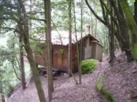 Unusual stay in perched hut in the south of France near Montazels