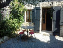 Holiday cottage near La Rochelle in Poitou Charentes. near Saint Just Luzac