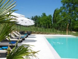 Bed and Breakfast with pool in Provence, France. near Chomérac