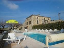 Gite avec piscine chauffée drome provencale.