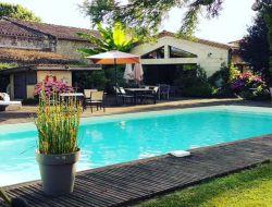 Gite avec piscine près de St Emilion en Gironde.