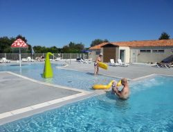 Holiday accommodation on the Ile de Ré, Poitou Charentes. near Rivedoux Plage