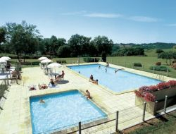 Holiday accommodations in a camping in Dordogne near Saint Felix de Reillac