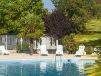 Holiday accommodations with pool in Provence near Mallemort