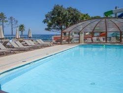 Camping **** en bord de mer en Corse.