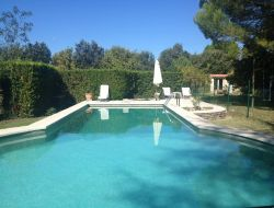 B&B with swimming pool close to Avignon in France.