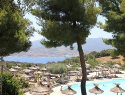 Camping avec piscine chauffée en Corse