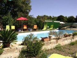 Gites de vacances avec piscine dans le Gard.