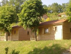 Holiday accommodations on camping in Auvergne. near Aix la Fayette