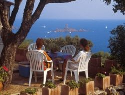 Holiday accommodation in camping on the French Riviera