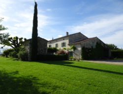 Big capacity holiday home in south of France. near Manas