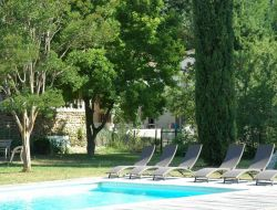 Holiday accommodation in Suze la Rousse near Uchaux