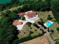 G�tes ruraux avec piscine dans le Lot et Garonne.