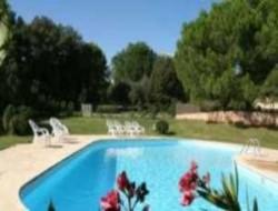 Location de gites avec piscine en Provence.