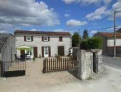 Holiday cottages near Cognac in Poitou Charentes