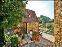 Gite de groupe avec piscine en Dordogne