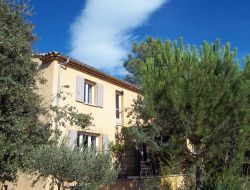 Charming holiday home with pool in Provence.